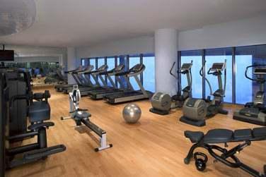 L'hôtel possède également une spacieuse salle de sport