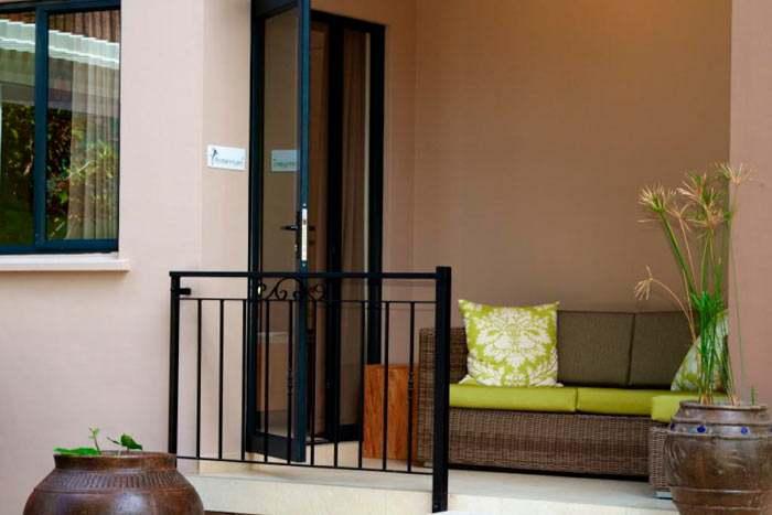 photos h tel le repaire boutique hotel restaurant. Black Bedroom Furniture Sets. Home Design Ideas