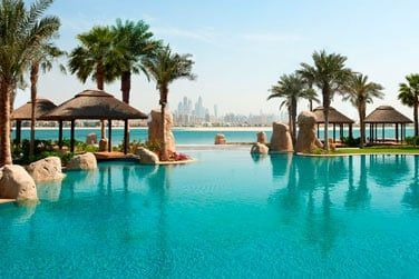 L'hôtel est un véritable resort où vous pourrez vous relaxer après une belle journée de shopping ou d'excursion