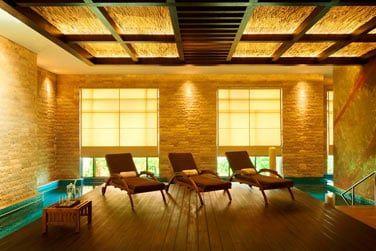Le Spa possède également son sauna, son hammam et 28 salles de soin