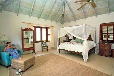 Le lit à baldaquin pour une ambiance très charme