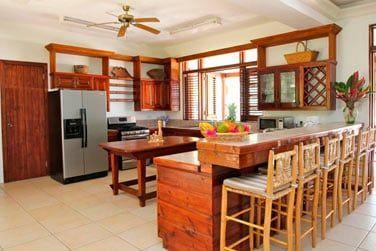 La villa dispose d'une cuisine entièrement équipée