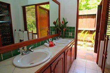 La Salle de bain avec double vasque