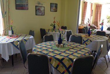 La partie restauration où l'on vous promet une très bonne cuisine locale et internationale