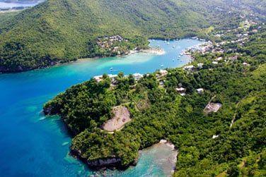 Ainsi vous découvrierez la richesse extraordinaire de l'ile de Sainte Lucie .. Du Nord au Sud ..