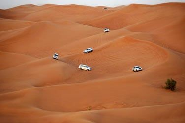 Optez pour une balade en 4x4 au coeur des dunes