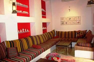 Le petit salon traditionnel où vous pourrez vous relaxer ou profiter de cette intimité entre amis !