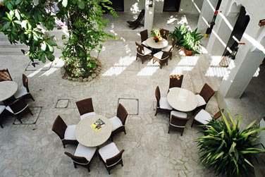 L'établissement est idéal pour une retraite paisible loin des grands hôtels
