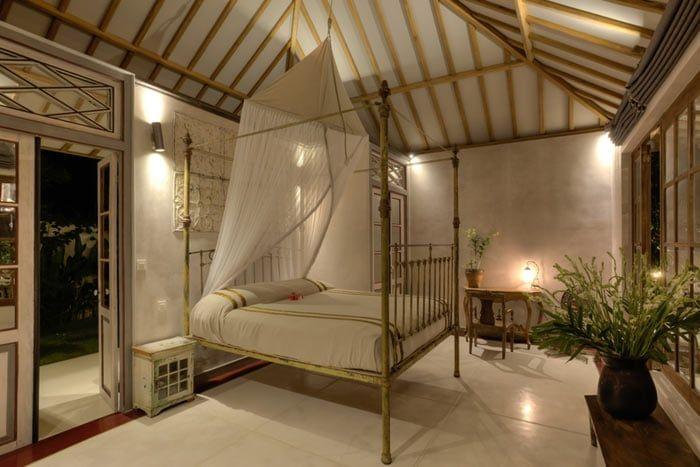 suite atas