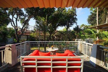 Une jolie terrasse à l'étage pour vos moments de détente!