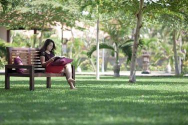 Détendez-vous dans le cadre 'zen' des jardins de l'hôtel...