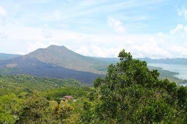 Situé au pied du Mont Batur