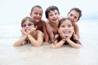 Le mini-club accueille les enfants pendant les périodes de vacances scolaires