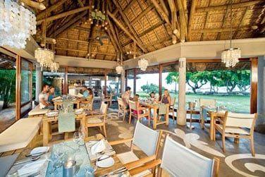 L'hôtel propose un choix de 2 restaurants et 2 bars, en 'All Inclusive'
