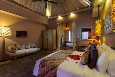 Le Bungalow Kenanga...Plus spacieux que la chambre, la décoration garde le même esprit nature