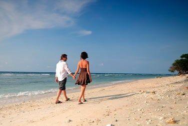 Baladez-vous le long des plages désertes