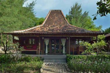 Vous logerez dans des bungalows typiques de Java à la décoration traditionnelle