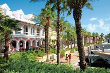 L'endroit est très agréable pour flâner ou profiter des nombreux bars et restaurants