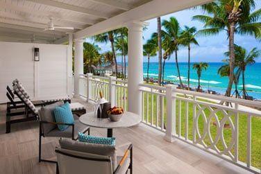 Admirez cette superbe vue sur l'océan depuis votre balcon