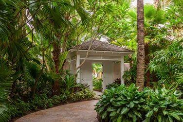 Promenez-vous au coeur des jardins luxuriants