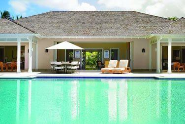Vue extérieure de la Villa et sa piscine privée