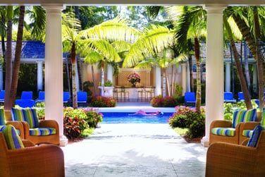 Une piscine au décor raffiné
