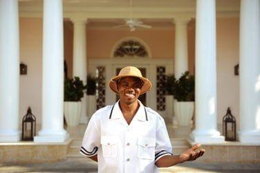 Vous serez accueillis par un personnel bahaméen à la gentillesse légendaire !