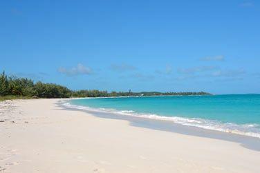 Un archipel de 365 îles et îlots étendus à 40 min de vol de Nassau