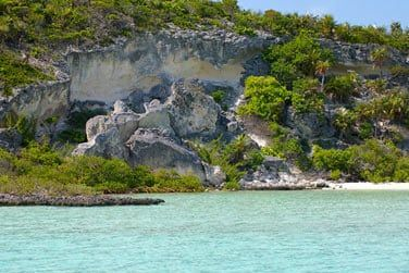 L'archipel est entouré d'eaux cristallines
