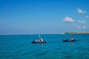 Partez explorer les environs en kayak