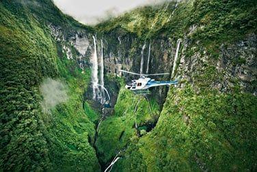 Une île à explorer sur terre et dans les airs pour ne rien manquer !
