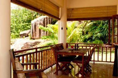 Et bien sûr votre terrasse extérieure pour profiter du climat tropical à toute heure