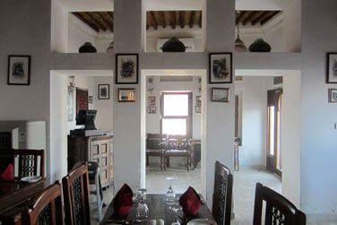 Le restaurant Barjeel Al Arab possède une salle intérieure