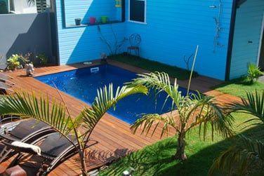 Entre deux visites, la piscine vous attend pour une pause détente