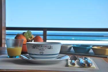 Vous pourrez profitez de la vue mer dès le petit déjeuner