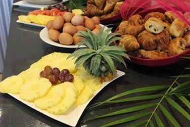 Un petit déjeuner buffet vous sera proposé chaque jour