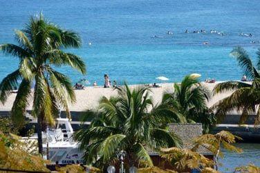 Depuis l'hôtel, bénéficiez d'une vue plongeante sur la côte