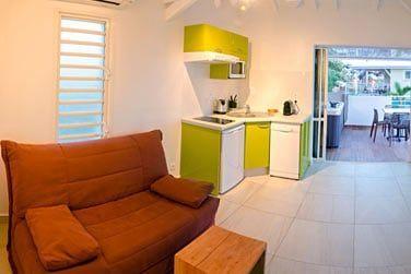 Espace salon avec kitchenette