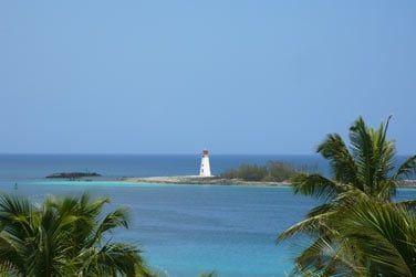 Vous découvrirez de fabuleux paysages, des plages de sable blanc, des eaux cristallines...