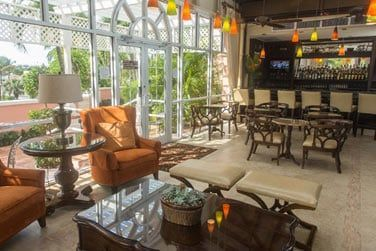 Coin salon de l'hôtel Comfort Suite pour des moments de détente