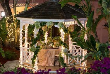 Le kiosque de l'hôtel peut servir pour des dîners romantiques ou événements spéciaux...