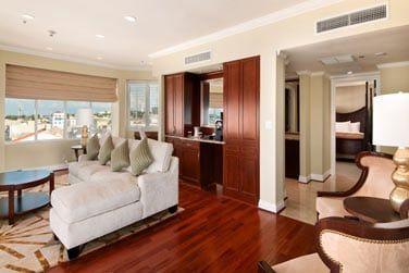 La suite, spacieuse avec chambre et salon séparé