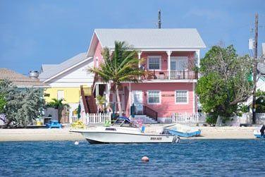 Les Abacos, constitués d'environ 120 îles et îlots, sont considérés comme le paradis des plaisanciers