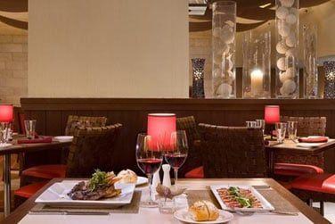 Le restaurant Aqua vous propose de délicieux plats italiens.