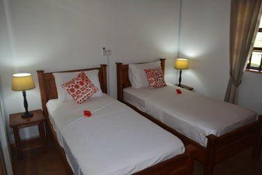Autre chambre avec lits jumeaux