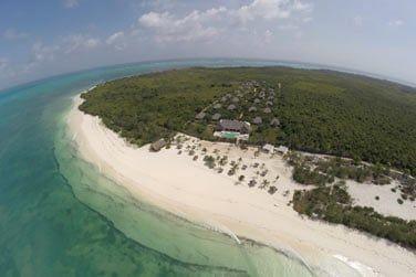 Situé sur la péninsule de Michamvi, sur la côte Sud-Estd de Zanzibar