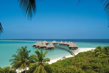 Les villas sur pilotis avec vue sur le superbe lagon