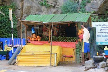 Les stands de fruits et légumes exotiques...