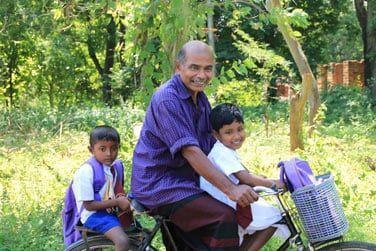 Au détour d'un chemin, vous croiserez des sri lankais... Ils ont toujours le sourire