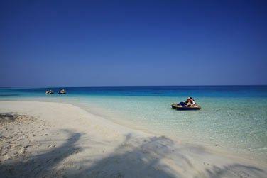 Entre lagon bleu turquoise...